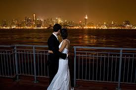 Chart House Nyc Electric Wedding Overlooking Manhattan At Chart House