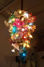 crazy amazing light fixture. looks like thrift store Chihuly!