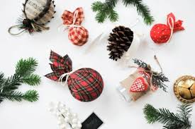 DIY Pottery Barn Inspired Plaid Christmas Ornaments