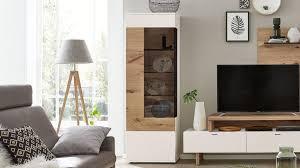 Interliving Wohnzimmer Serie 2104 Vitrine Weiße Lackoberflächen Balkeneiche Eine Tür