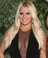 The 36-year old daughter of father Joseph Truett Simpson and mother Tina Ann Drew Simpson, 160 cm tall Jessica Simpson in 2017 photo