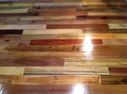 How to Use Wood Pallets to Create a Floor <<