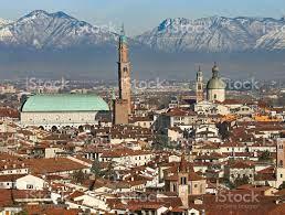 Vicenza In Italienpanorama Der Stadt Stockfoto und mehr Bilder von  Architektur - iStock