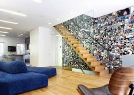 Huge collection in the stairwell Painting walls - 35 interior design ideas  for amazing wall decoration