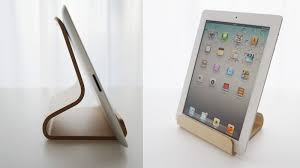 This 'Desktop Chair' iPad Stand Would Look Great In My Kitchen