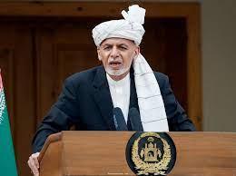 الرئيس الأفغاني يحل محل رئيسي الوزراء وقائد الجيش مع تصاعد العنف