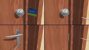 How To Open A Deadbolt Lock With Credit Card Unlock Door Without Key Locked  Er Knife