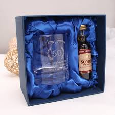 personalised whiskey gl set for 50th birthday