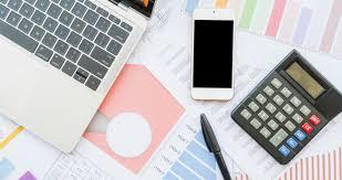 Economics Essay Topics: 147 Practical Ideas & Useful Tips