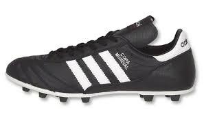 <b>Бутсы Adidas Copa Mundial</b> – легенда футбольного мира