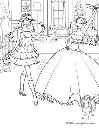 Barbie Popstar Et Barbie Princesse S Amuse Dans Ce Beau Coloriage