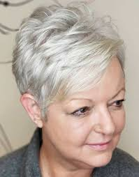 80 Best Modern Hairstyles And Haircuts For Women Over 50 Grijs