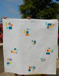circle quilting lines | blooming poppies & Passing Showers {color clusters} Quilt- Finished!!! Adamdwight.com