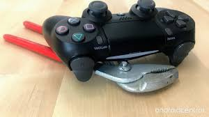 Why Is My Ps4 Controller Light Red How To Fix A Flashing White Playstation 4 Controller