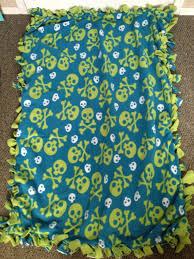 DIY Fleece Tie Blanket | Gettin' Crafty: Sorority Style & IMG_2626 Adamdwight.com