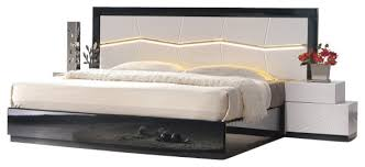 J&M Turin Black & White Lacquer Queen Size Bedroom Set With Accent Lighting