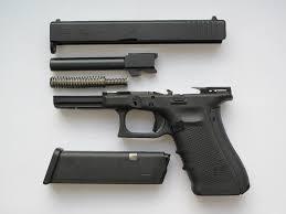Essai armes | Démontage, nettoyage et entretien du Glock 17 | Page 6