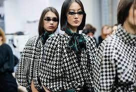 Emporio Armani Fall <b>Winter</b> 2020-2021 <b>Women's Fashion</b> Show
