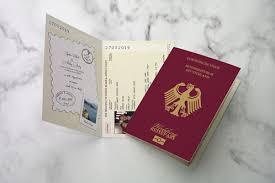 1 Passport Travel German No Collection