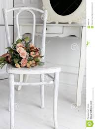 Schöner Empfindlicher Blumenstrauß Von Sahnerosen Legen Auf Einen