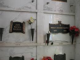 「Rudolph Valentino grave 」の画像検索結果