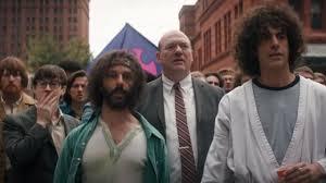 Il processo ai Chicago 7 - Il trailer del film di Aaron Sorkin, dal 16  ottobre su Netflix