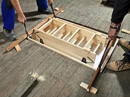 Häufig verlangen handwerker mit meistertitel etwas mehr als handwerker ohne meistertitel. Einbau Einer Platzsparenden Dachbodentreppe Bauhaus