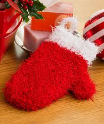 Red Heart Scrubby Pattern Awesome Holiday Mitten Scrubby Red Heart