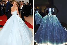 Dresses With Lights Met Gala 2016 Claire Daness Glow In The Dark Gown Upstaged