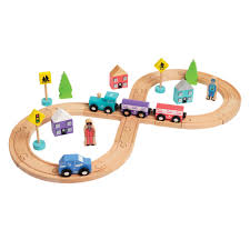 hamleys wooden figure of 8 train track set zoom