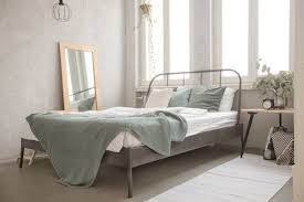 small bedroom ideas that maximize space