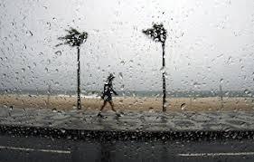 Resultado de imagem para chuva no mar