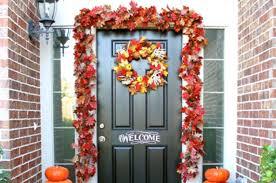 front door hangings21 Fall Porch Ideas That Will Make Your Neighbors Insanely Jealous