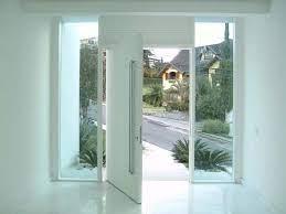 Porta pivotante timborana com 210x2 instalada casa do cliente. Porta Pivotante Vantagens Desvantagens Instalacao E Inspiracoes
