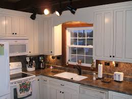 Laminate Wood Flooring For Kitchen Hardwood Floors Kitchen Cabinets Perfect Home Design