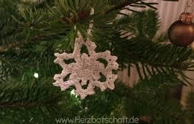 Anleitung Gehäkelte Schneeflocken Für Den Weihnachtsbaum