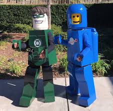 lego figures green lantern and benny costumes