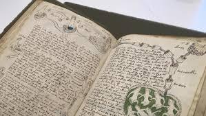 Naskah Voynich adalah dokumen abad pertengahan yang ditulis dalam skrip yang tidak diketahui dan dalam bahasa yang tidak diketahui. Selama lebih dari seratus tahun orang telah mencoba memecahkan kode tersebut, tetapi tidak ada berhasil.