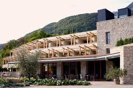 Albergo Sapori Hotel Hasslhof Il Primo Hotel Enologico Sul Lago Di Caldaro