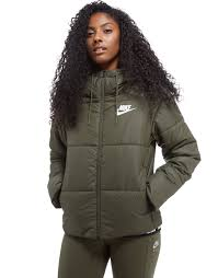 nike outfits for women. nike padded jacket outfits for women
