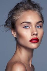 natural makeup with red lipstick