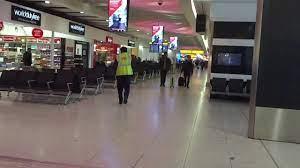 السوق الحرة في مطار هيثرو الدولي ومتعة التسوق - YouTube