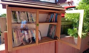 Bibliotheque de rue armoire - Détours