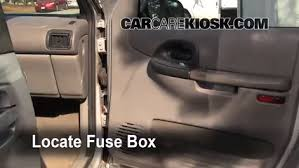 chevy lumina fuse box interior fuse box location 1990 1996 chevrolet lumina apv 1995 interior fuse box location 1990 1996