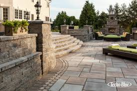 techo bloc fireplace outdoor lighting patio stoop stair wall