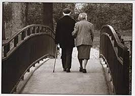 Lustige Postkarte Altes Paar Auf Brücke Amazonde Bürobedarf