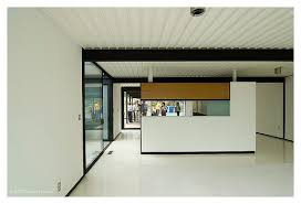 Walter Bailey House  Case Study    House  by Pierre Koenig   MADE