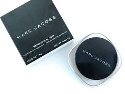 Bisque Light 22 Marc Jacobs Marvelous Mousse Transformative Foundation In