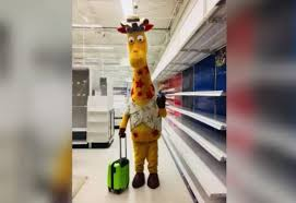 photo of geoffrey the giraffe leaving an empty toys r us goes viral