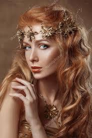 Krása ženy Zrzavé Vlasy Profesionální Líčení Zlatá Barva Stock